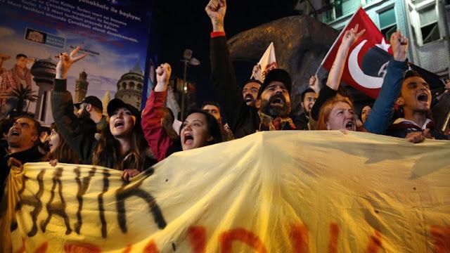 Η Τουρκία σε πόλεμο με τον εαυτό της: Ο Ερντογάν είναι ο νεκροθάφτης της τουρκικής δημοκρατίας