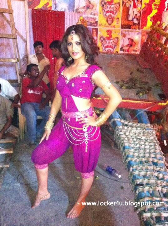 Sexy bhabhi nude fucking