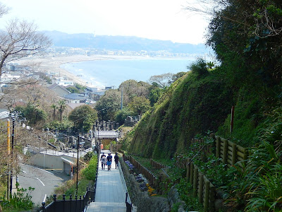 海の見える参道