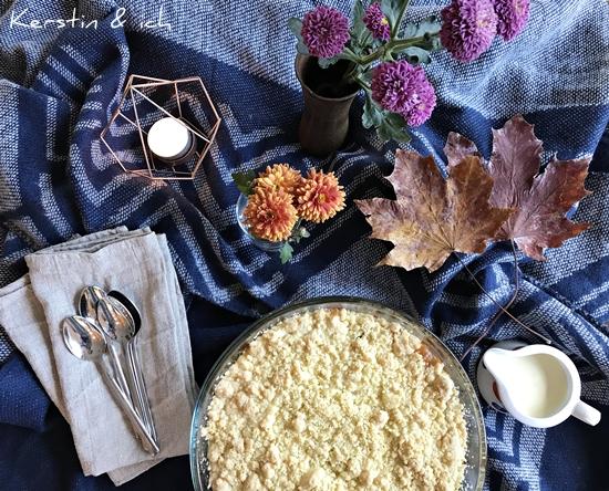 Gemütlicher Herbst - cozy Autumn Apfel Crumble Apple Crumble