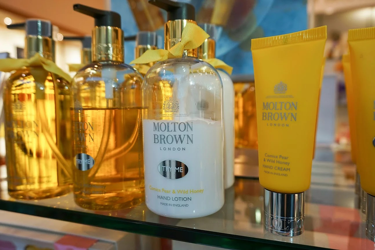 Molton Brown comice pear wild honey gourmand collection