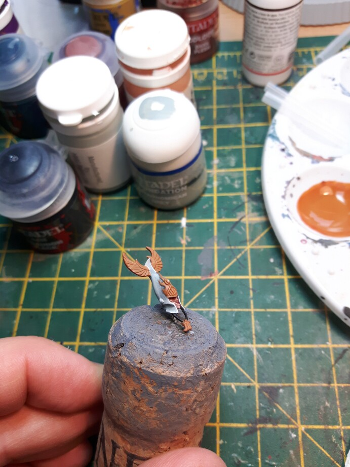 highlights go early on  so I don t forget later    I also blocked in  the gold parts early as I find it helps me to see what i m painting a bit  better. Noobs and their paintbrush  Phoenix Guard Part 2   Painting the head