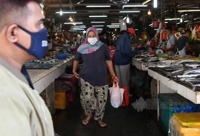 Gaji RM100 sehari, pekerja tempatan tak tahan selepas tiga jam