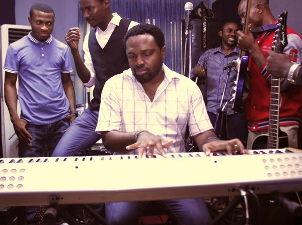 cobhams asuquo playing piano