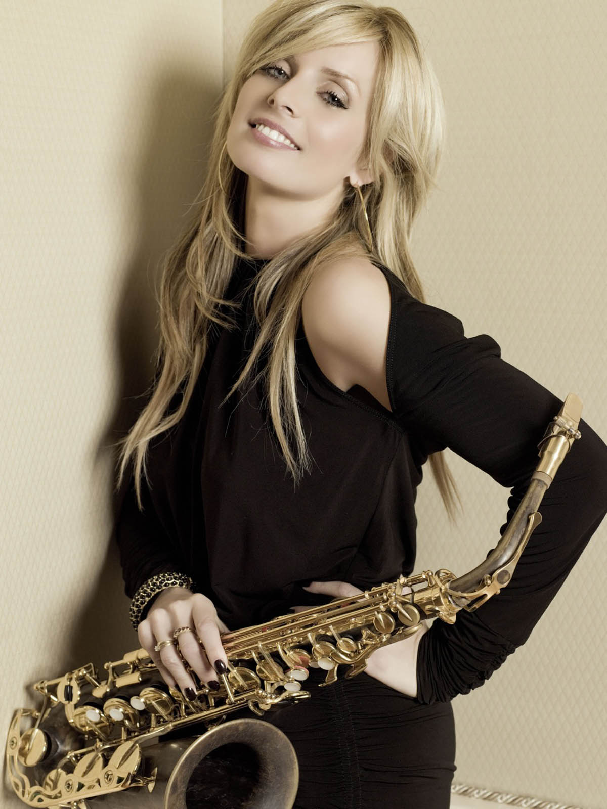 Candy Dulfer Naughty Photos Cutewallpapers