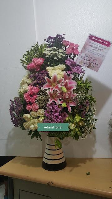 jual buket mawar surabaya, hand buket murah surabaya, harga bunga buket di surabaya