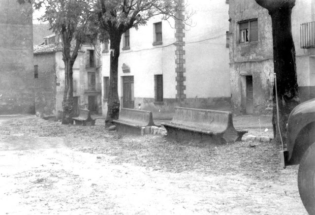 foto-antigua-torrebaja-plaza-pueblo