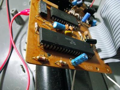 Circuito integrado levantado na placa