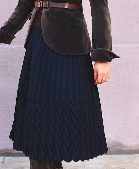 navy blue accordion midi skirt, gray velvet blazer brown leather belt