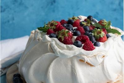 THE BEST PAVLOVA RECIPE EVER! #dessert