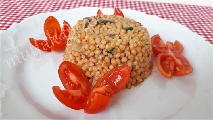 mantarlı domatesli kuskus