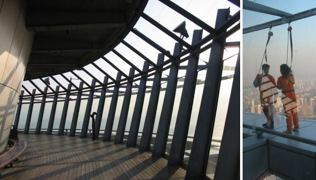 Macau - SkyWalk am Macau Tower