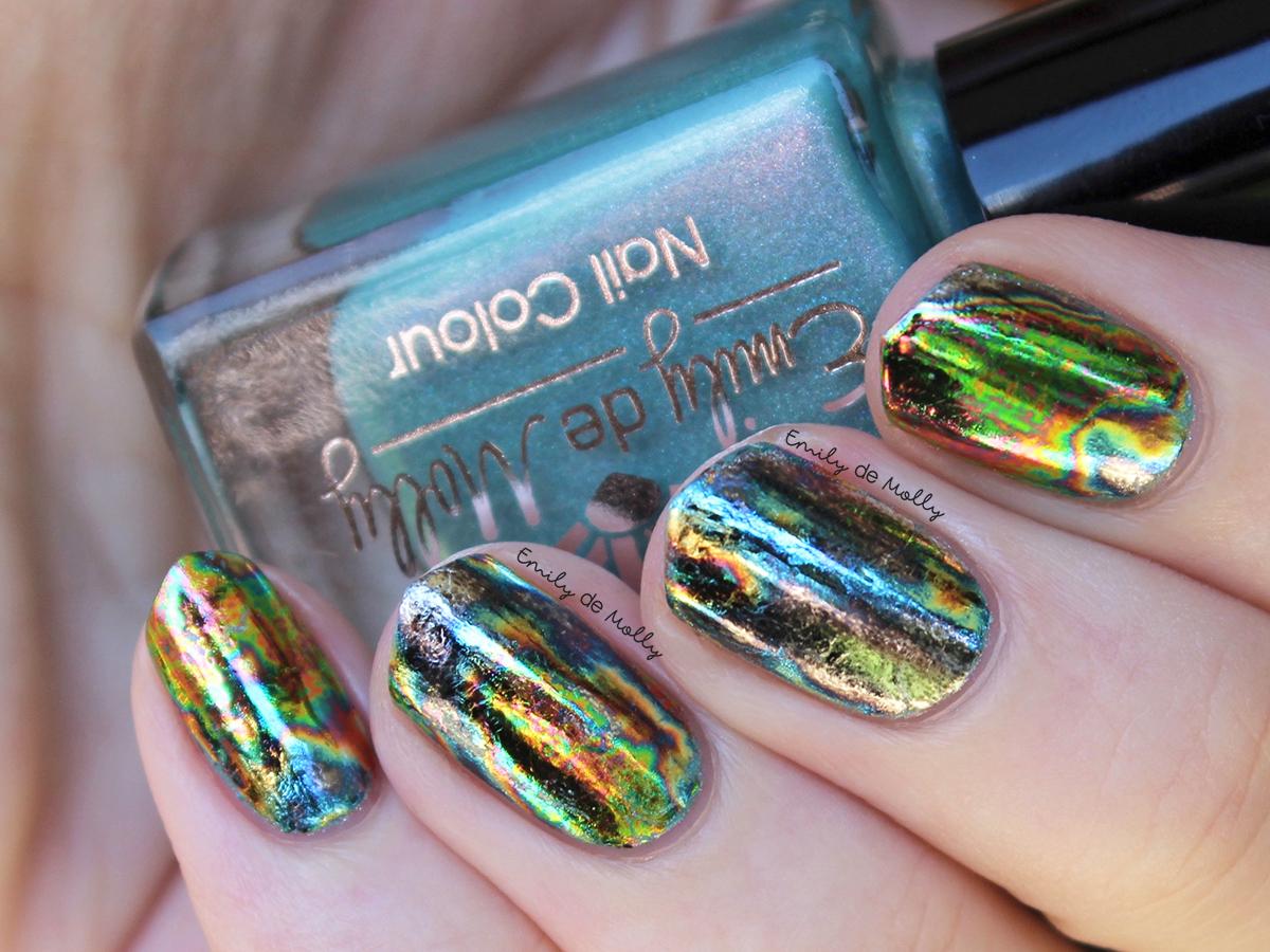 Emily de Molly: Oil spill nail foils
