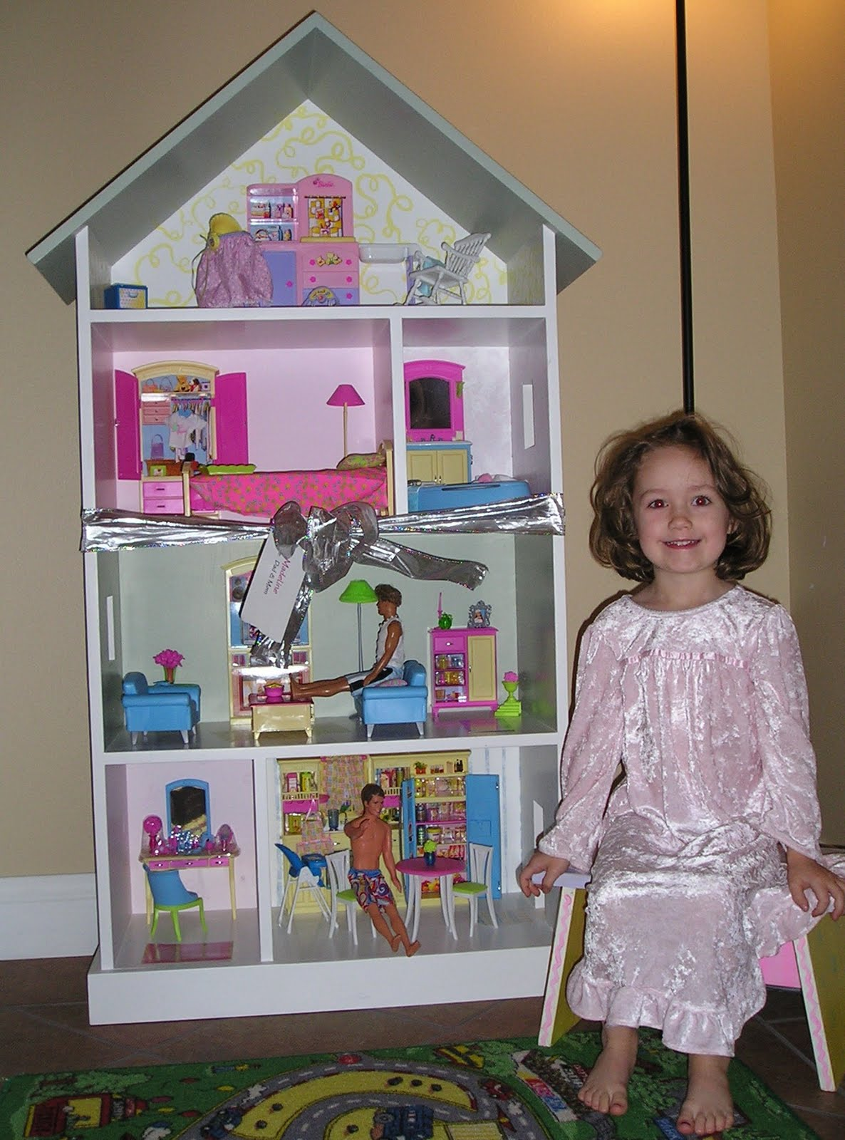 KeepsakeSewing A Barbie Bookcase Doll house