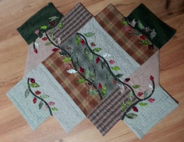 Quilt saco, vestido com flor applique outro Quilt saco de vista!  Padrão.  Tutorial DIY.  Bolsa patchwork quilt.  Estágios de costura nas fotos.