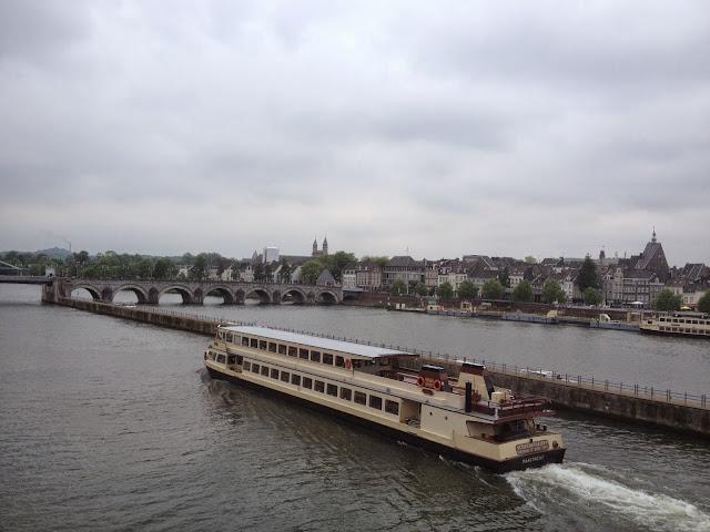Río Mosa en Maastricht