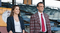 Hank Azaria and Amanda Peet in Brockmeier Series (4)