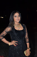 Sakshi Agarwal looks stunning in all black gown at 64th Jio Filmfare Awards South ~  Exclusive 093.JPG