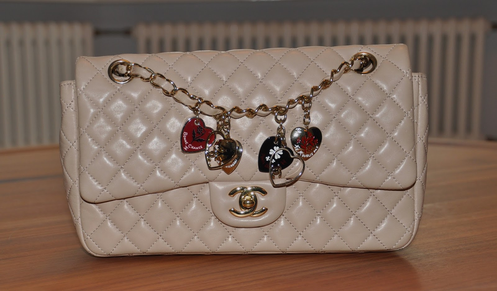 7720bef25c6c Today we will show you our Chanel Valentine bag. This is a Medium Classic Chanel  flap bag and is from the Valentine Collection 2010.