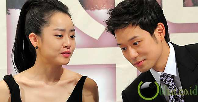 Chun Jung Myung - Moon Geun Young