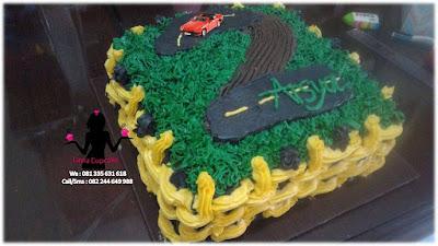 kue tart Ulang Tahun Bentuk Sirkuit