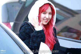 Red Velvet Wendy Photos with Red hairstyle
