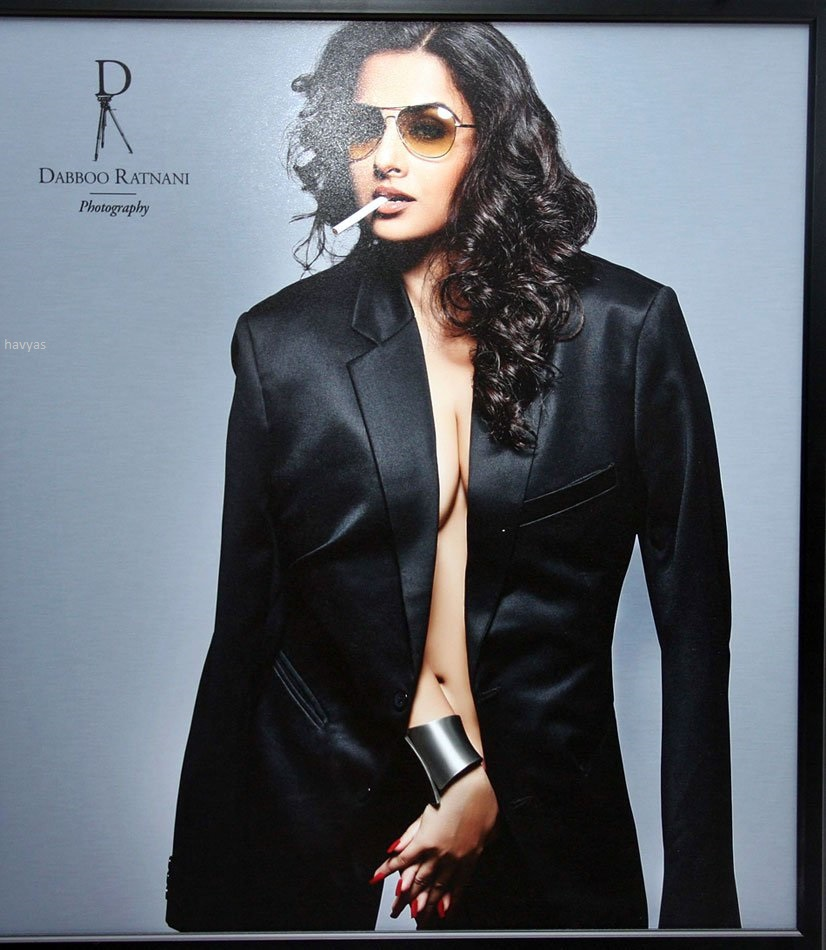 Download ranbir kapoor poses for dabboo ratnani's 2013 calendar.