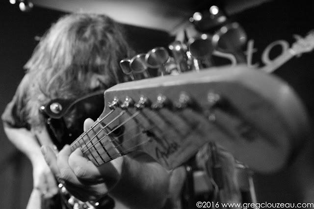 Tof à la guitare chez les Spams !