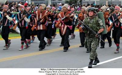 Foto del Comité de Autodefensa del Corredor de la Sierra marchando por Jesus Gómez