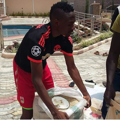 Ahmed Musa Shares Food Items To The Needy At His Mansion In Jos. Photo