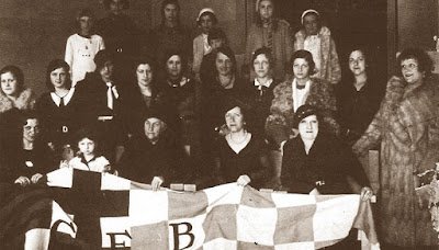 Componentes de la Sección Femenina del Club Ajedrez Barcelona en marzo de 1933