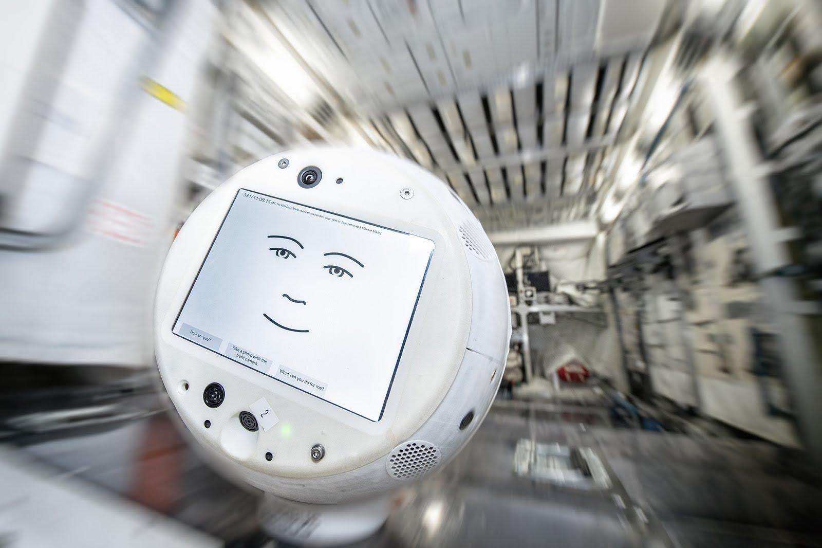 Assistente para astronautas CIMON-2 está a caminho da Estação Espacial Internacional