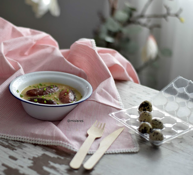 Receta de longaniza de ternasco de Aragón con salsa al vino Somontano con beicon y mostaza