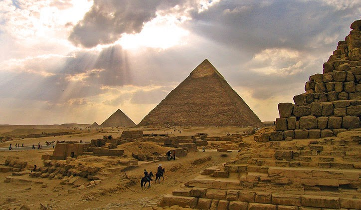 pirâmides, mistério, segredos, teorias