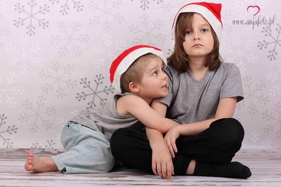 dziecko, fotograf Łomianki, fotografia dziecięca, fotografia dziecięca Łomianki, fotografia portretowa, fotografia Warszawa, Mikołajki, portret, sesja, sesja mikołajkowa, sesja świąteczna, fotografia studyjna