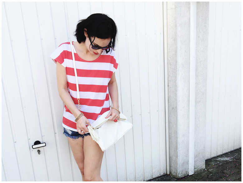 spring outfit | h&m striped shirt, h&m destroyed denim hot pants, zara shoes, accessorize bag | more details on my blog http://junegold.blogspot.de | life & style diary from hamburg | #fashion #outfit #spring #springoutfit #stripes #hm #zara #accessorize #red #white #blue