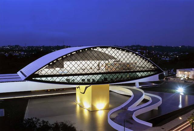 insaat-noktasi-blog-Oscar-Niemeyer-Muzesi