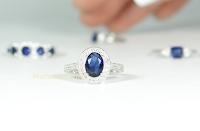 Logo JewelCandle: gioca e vinci un anello per te e una tua amica