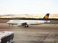 Boeing 737 – 300, Isla de Flores, Isla de Bali, vuelta al mundo, round the world, La vuelta al mundo de Asun y Ricardo