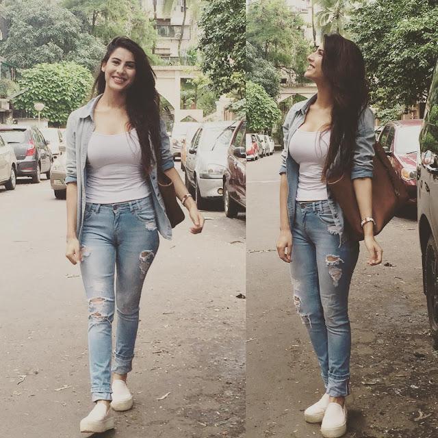 Sheetal Thakur On  on road photoshoot