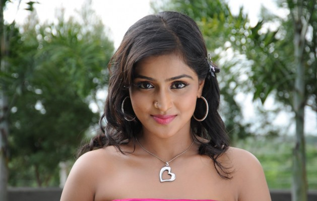 ramya nambeesan tamil movie