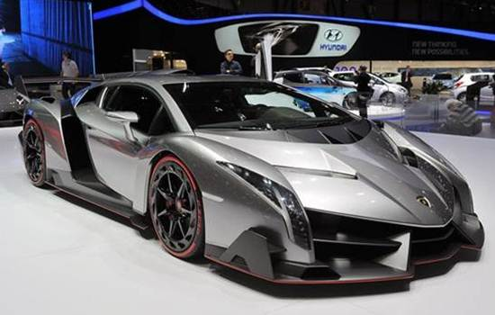 2017 Lamborghini Veneno Roadster Reviews