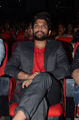 Allu Arjun at Oka Manasu Audio launch-thumbnail-18
