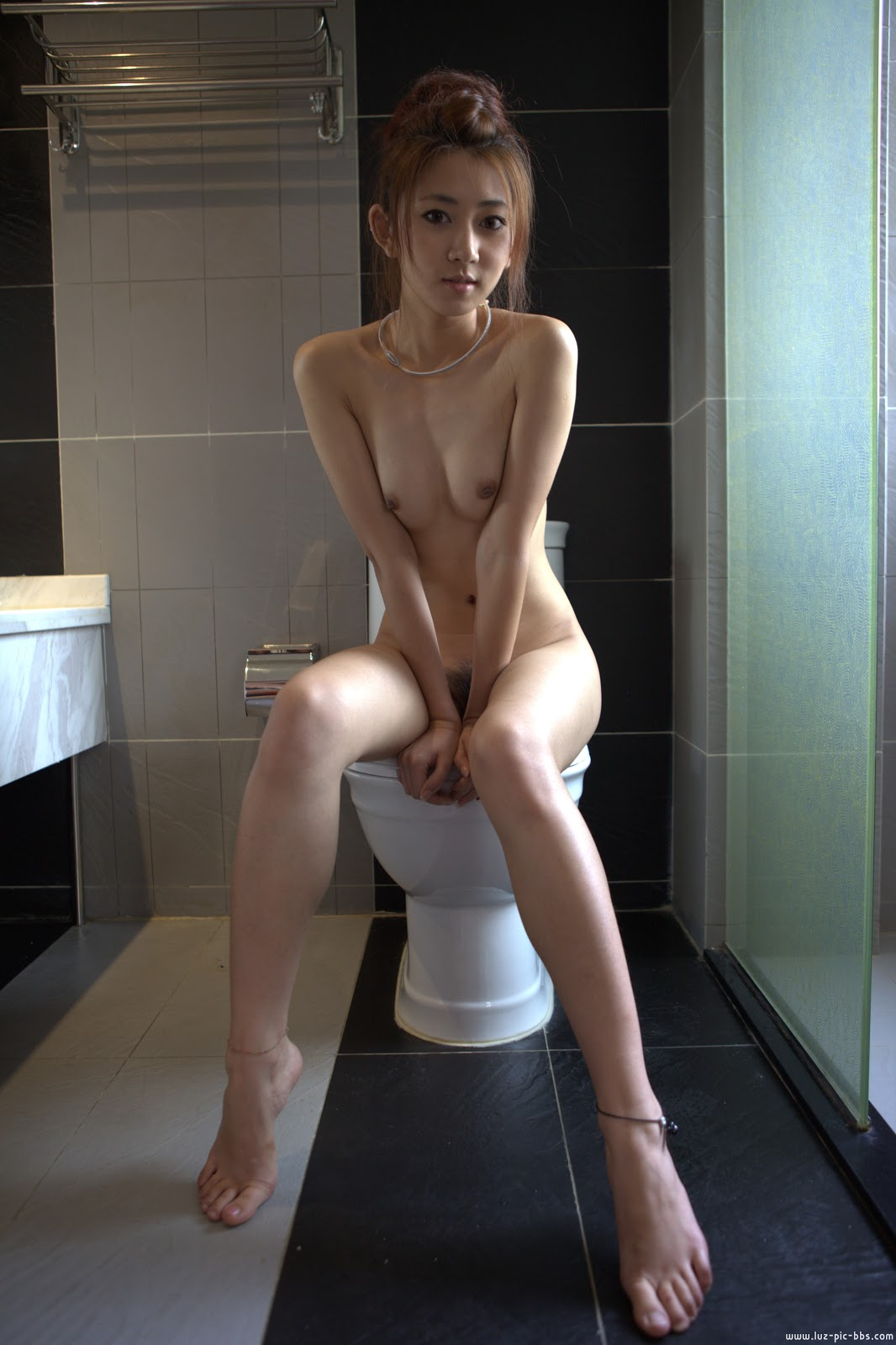Chinese Nude_Art_Photos_-_233_-_Xiaowan_XiaoJiao.rar