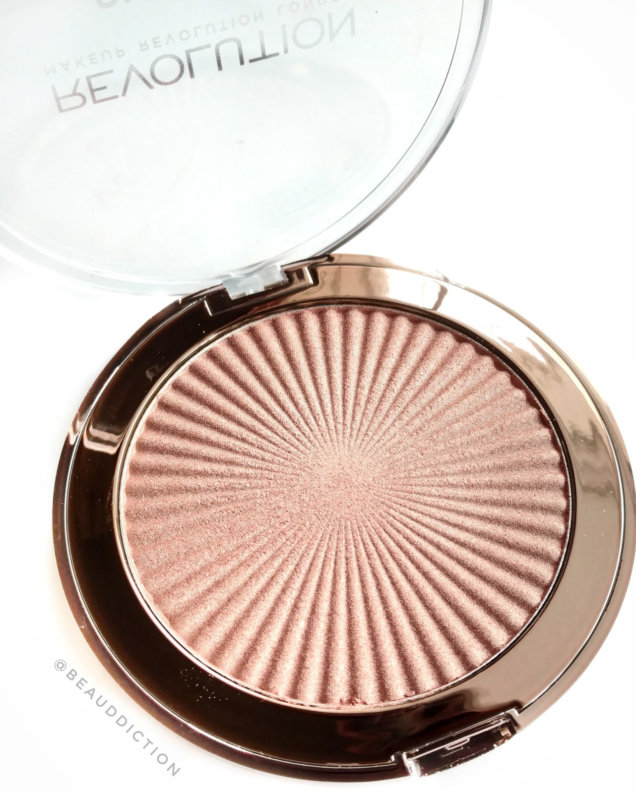 makeup revolution peach kiss highlighter