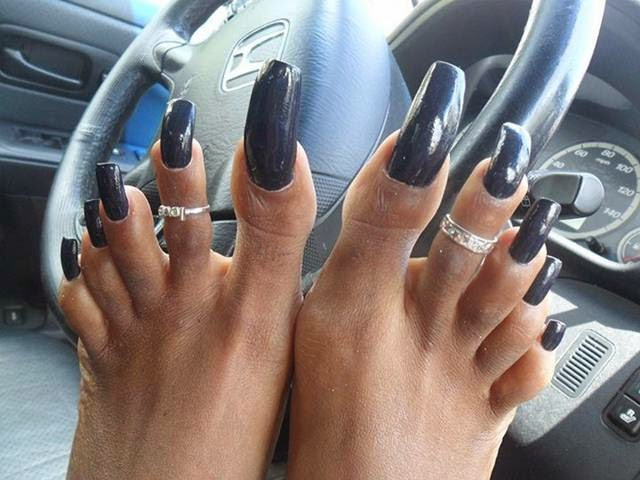 Ebony Woman Lady With Long Nails 35
