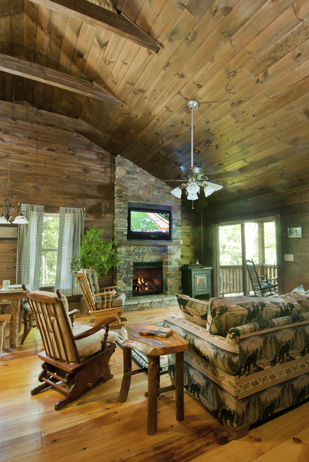 Last Minute Thanksgiving Getaways: North Carolina Cabins, Mountain Vacation Rentals And