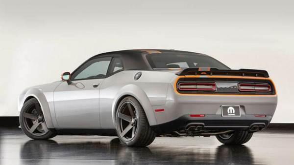 2017 Dodge Challenger SRT Hellcat Review