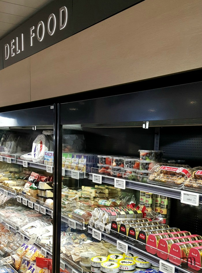 Deli Food Megastarin Traveller Superstoressa