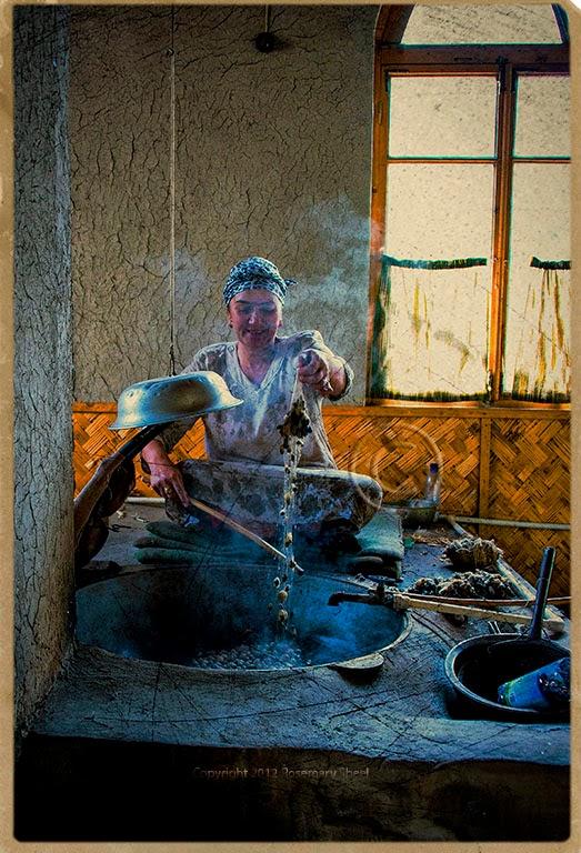 uzbek ikat production, uzbek sik textiles, uzbek textile tours